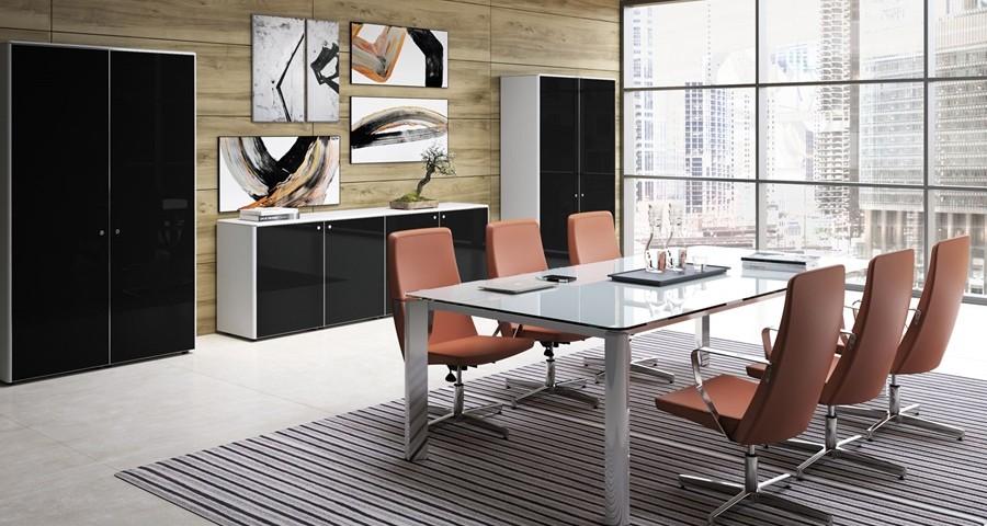 Kolory w biurze – jakie barwy najlepiej sprawdzają się w przestrzeni biurowej