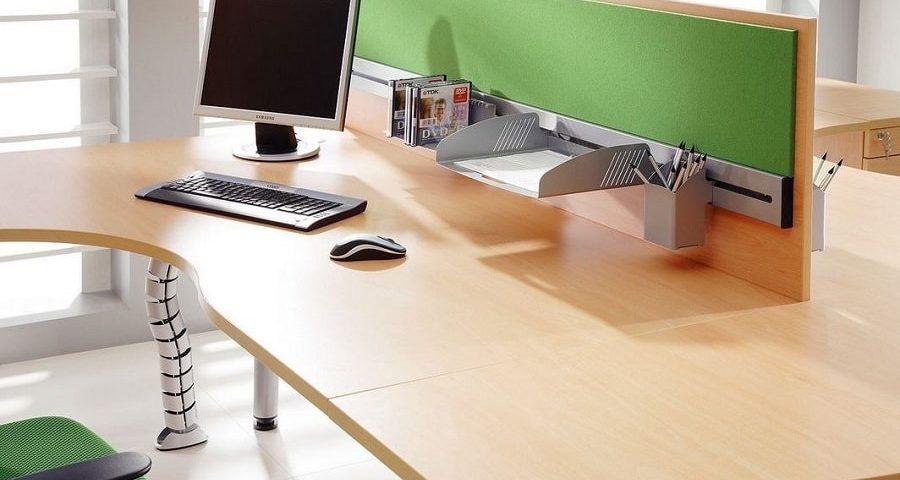 Organizacja przestrzeni na biurku – zrób to dobrze!