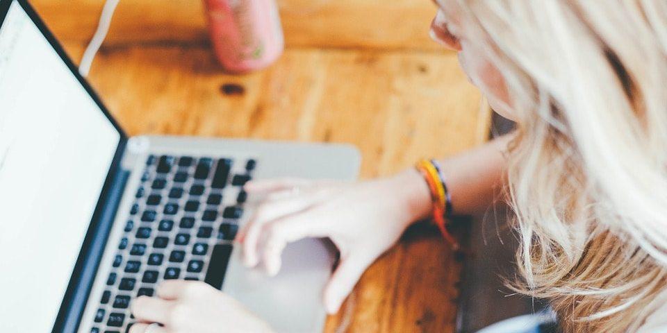 Biuro, które zachęca do pracy – jak urządzić motywujące wnętrze